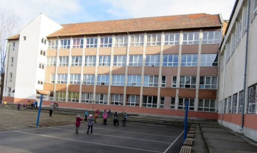 Foto-scoala1-1.jpg