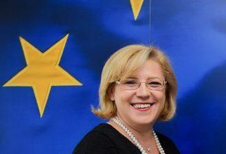 Corina Cretu: Fondurile europene vor continua sa fie un promotor al inovarii si modernizarii tehnologice