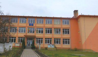 """Fondurile REGIO asigura eficientizarea energetica a Liceului """"Dr. Lazar Chirila"""" din orasul Baia de Aries"""