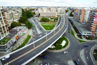 Pasajul suprateran din fonduri UE al Craiovei – in eterne reparatii si fara receptie finala