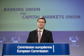 Comisia prezinta evolutiile privind uniunea bancara si uniunea pietelor de capital