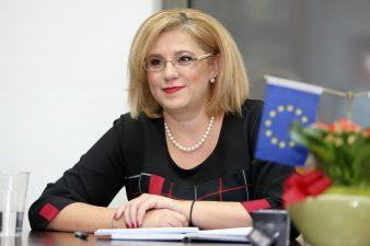 Corina Cretu: Autoritatile romane au trimis CE, spre aprobare, proiecte de 629 milioane euro in decembrie 2018