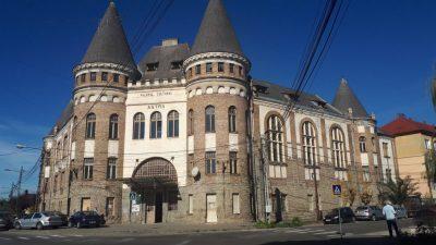 Castelele României o așteaptă pe doamna Filip