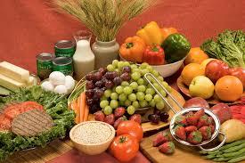 Comisia Europeană alocă României aproape 18 milioane EUR prin programul UE de încurajare a consumului de fructe, legume și lapte în școli