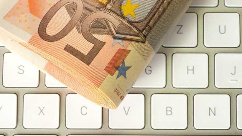 Ajutoare de 1500 Euro pentru antreprenori români, să-și ia servicii de contabilitate sau juridice