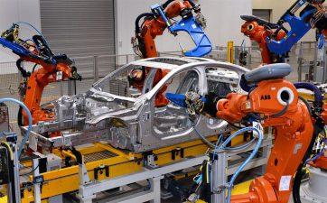 Comisia Europeană pregătește un pachet uriaș de stimulare pentru industria auto inclusiv în România. Program Rabla de 20 miliarde euro
