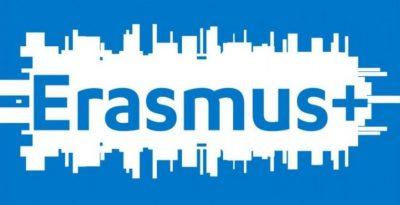 Erasmus+: Plus 200 de milioane de euro pentru a stimula educația și formarea digitală