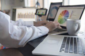 Munca la distanță, o normalitate pentru 80% dintre companiile globale; tendința va continua în următorii doi-trei ani