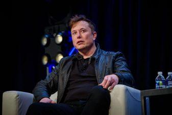 Elon Musk anunță că donează 100 milioane dolari pentru tehnologii antipoluare